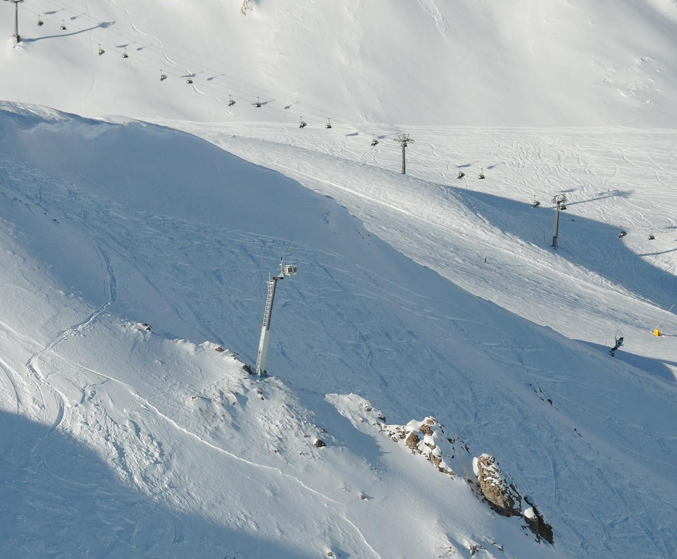 avalanche-tower-in-samnaun